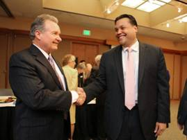 i-City Medical Center CEO Larry Anderson with Fallbrook Hospital CEO Kapua Conley